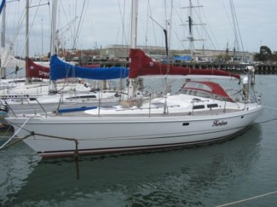 Elan 43': Good quality racing yacht. Too difficult and expensive to upgrade ...